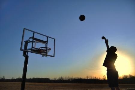 ריבאונד גדול וחזק (Rebound -כדור חוזר)